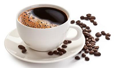 Чашка кофе с зернами кофе